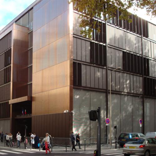 Le bâtiment adminsitratif de la Préfecture du Rhône.rendez-vous à la préfecture du Rhône